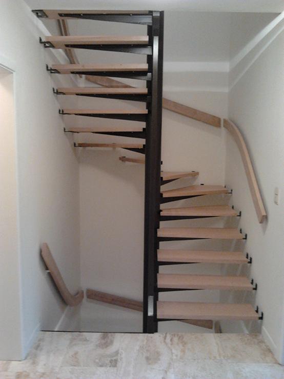 Houten trap te tervuren erik van obbergen - Renovatie houten trap ...